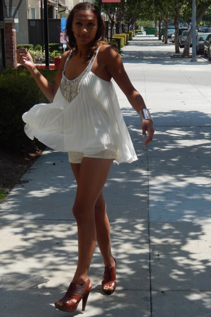 Dressing for Body Type, Summer Style, High Waist Shorts, All White, Embellished Top