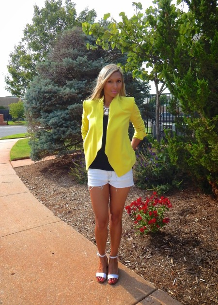 Summer Jacket, Work blazer, blazers, styled outfit, BCBG blazer, J Brand shorts, Zara shoes