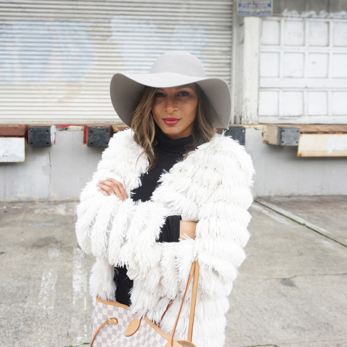 Fluffy jacket, white fluffy jacket, fluffy jacket and leather leggings, faux leather leggings, floppy hat and leggings, leather leggings and booties, dolce vita booties, san francisco style, new york style, la style, fashion blogger, louis vuitton neverfull, big floppy hat, potrero hill, outfit inspiration