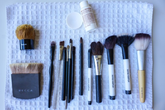 Makeup Brushes, cleaning makeup brushes, makeup pro tips, how to clean makeup brushes, Becca brush, kabuki brush, sonia kashuk brush, contour brush, blush brush, eyeshadow brushes, powder brushes